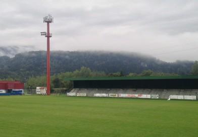 Rubata la bandiera con l'Aquila del Friuli issata al campo sportivo di Tolmezzo