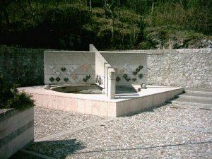 monumento-avisinis