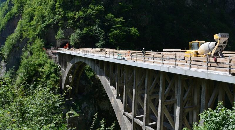 Riapre al transito il ponte ad arco della provinciale del for Cabina del tetto ad arco