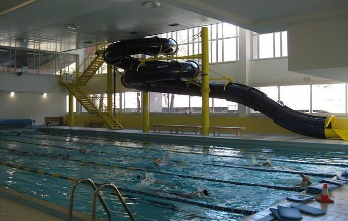 Forni di sopra piscina gratis per i residenti in alto - Piscina di brembate sopra ...