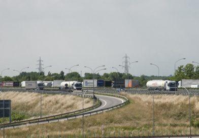 Traffico congestionato in autostrada su A4 e A23
