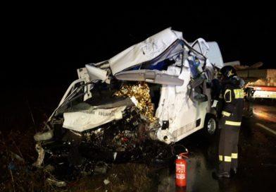 Schianto tra furgone e camion, un morto a San Daniele del Friuli