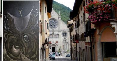 I crocefissi di Italo Coccolo in mostra a Gemona