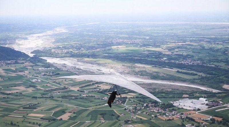 Mondiali di deltaplano, emozionante finale della task odierna a Bordano