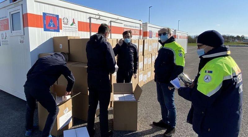 Consegnate alla Protezione Civile Fvg 250.000 mascherine destinate agli operatori sanitari