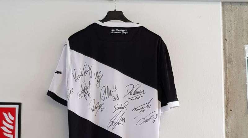 Restituita la maglietta dell'Udinese sottratta alle scuole di San Daniele