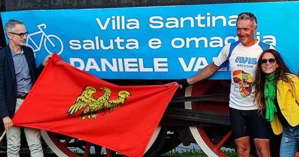 Il viaggio di 15.000 km fino a Capo Nord di Daniele Vallet fa tappa a Villa Santina
